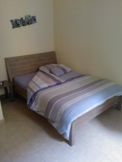 cadre de lit 140 200 occasion table de lit. Black Bedroom Furniture Sets. Home Design Ideas